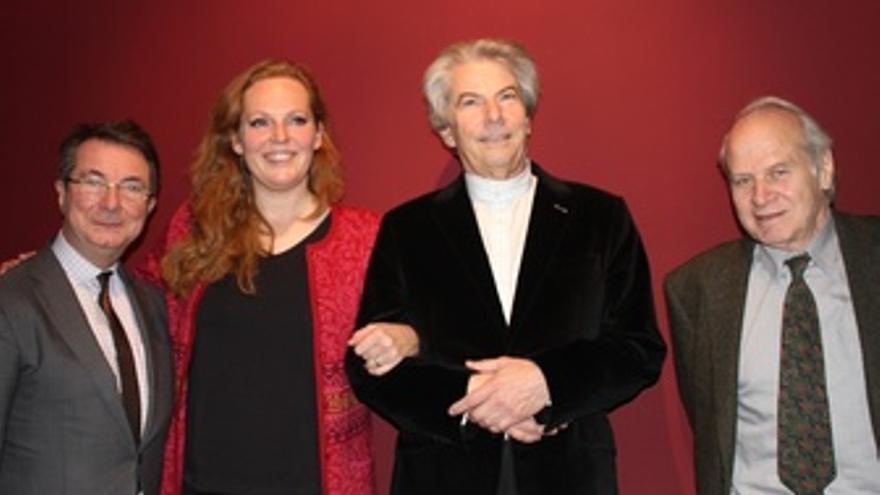 Mortier Junto A Eva-Maria Westbroek Y Hartmut Haenchen