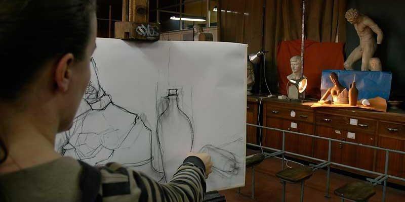 Una alumna de la Escuela de Artes y Oficios de Palma