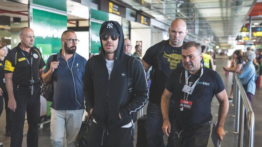 Prince Royce este viernes a su llegada al Aeropuerto de La Palma.
