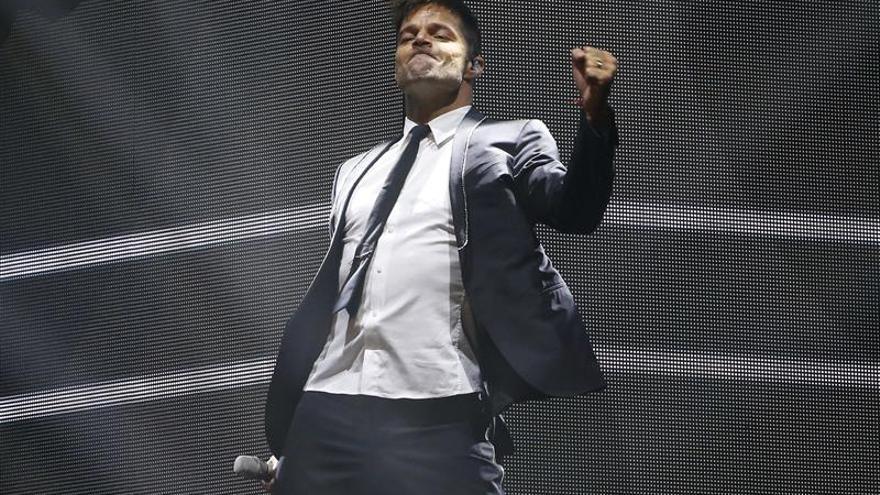 Ricky Martin pone rumbo a Rusia tras un multitudinario concierto en Mérida