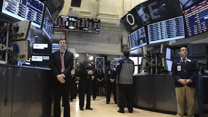 La Bolsa de Nueva York rinde homenaje a las víctimas de París