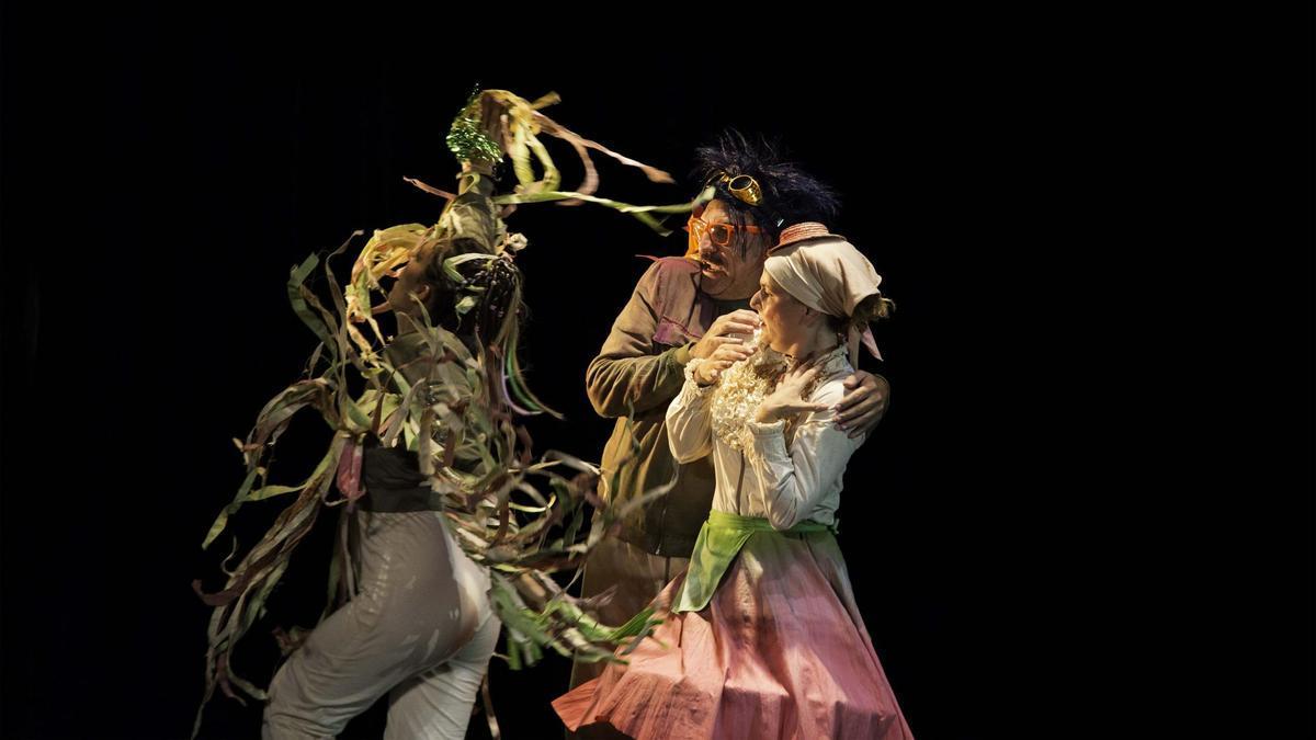 Imagen de una función de la obra de teatro 'Peligro en Fragilia'.