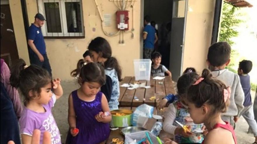 Niños en el campamento de la ONG Bridge al que se desplazó el voluntario toledano