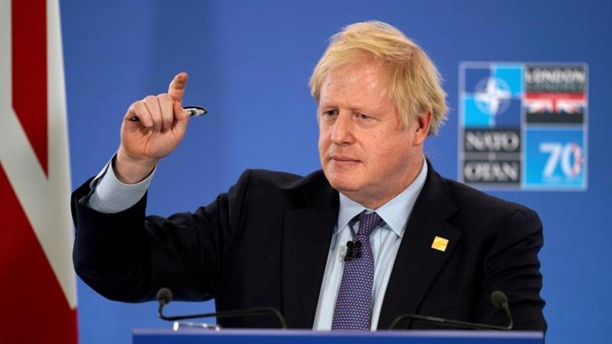 """Johnson dice que los aliados quieren evitar """"malos entendidos"""" con Turquía"""