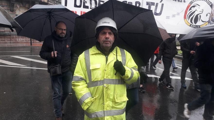 José Miguel González se encarga del control de accesos del astillero