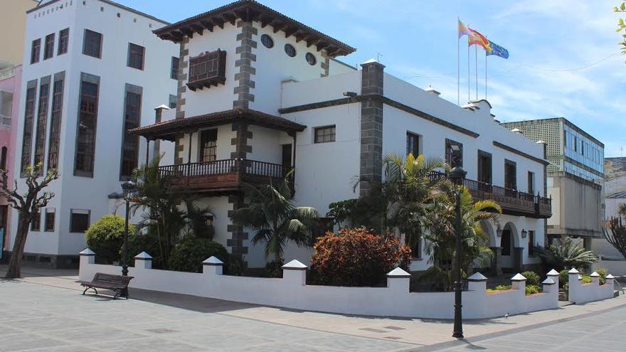 En la imagen, edificio del Ayuntamiento de Los Llanos de Aridane en la plaza de España de la ciudad.