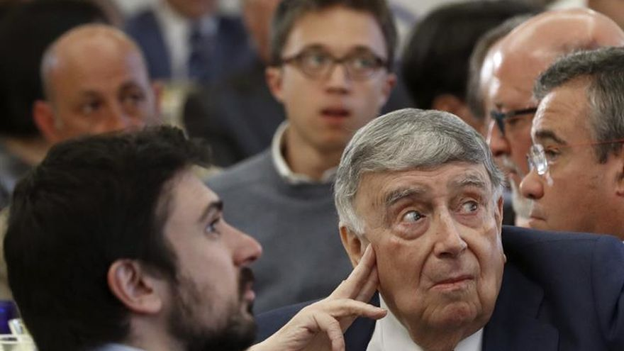 """Manuela Carmena reivindica la """"divergencia"""" sin confrontación de su Gobierno"""