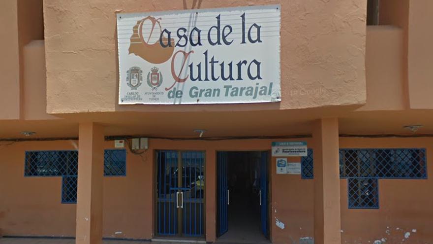 Casa de la Cultura de Gran Tarajal, donde se ubica la oficina de expedición de DNI de Tuineje (Fuerteventura).