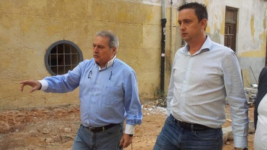 Alfonso Rus, alcalde de Xàtiva, y Enrique Perigüell, concejal de Medio ambiente y propietario de la empresa