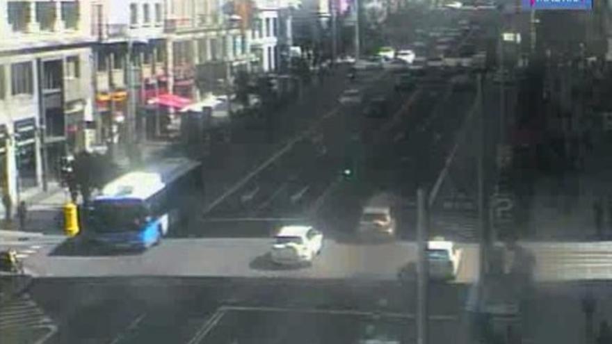Imagen del tráfico en Gran Vía el día que Aguirre se llevó por delante una moto de un agente / Foto: Lookr