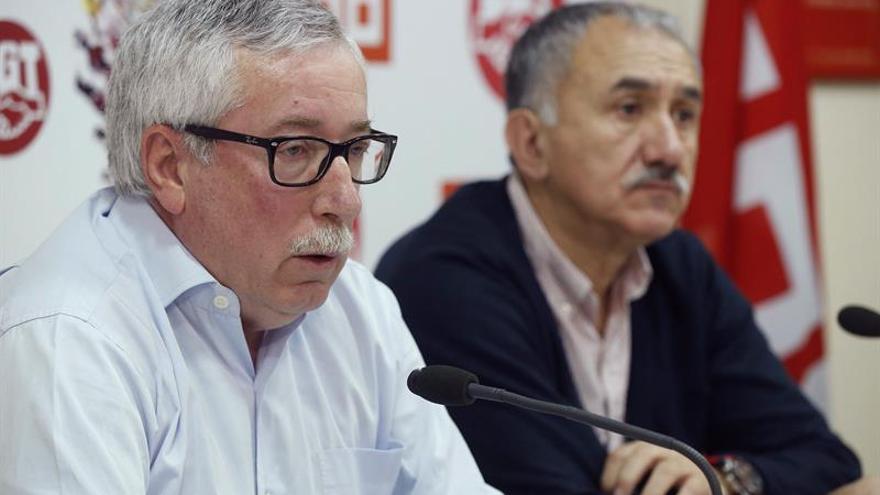 Álvarez (UGT) dice que el bloqueo político ha perjudicado la solución de problemas