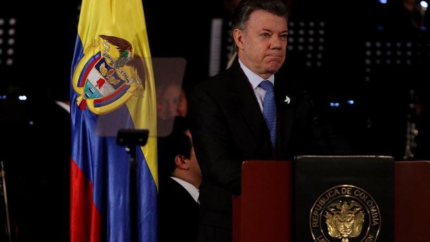 Los colombianos deben contribuir en la implementación del acuerdo de paz, dice Santos