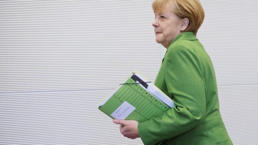 Merkel reúne dos días a su gobierno para fijar la agenda y evitar disensos