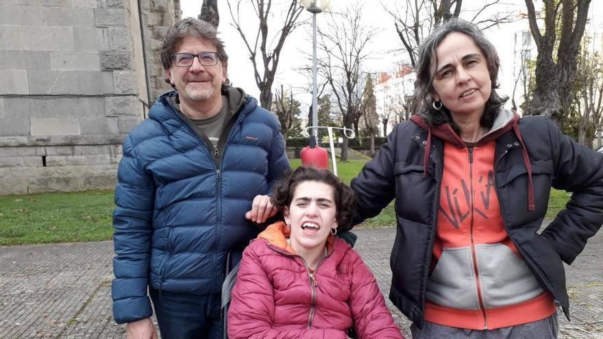 Imanol Pradells, Esther Retegui y su hija, Ángela