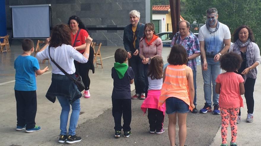 Cerca de 330 niños conviven con familias de acogida en Bizkaia