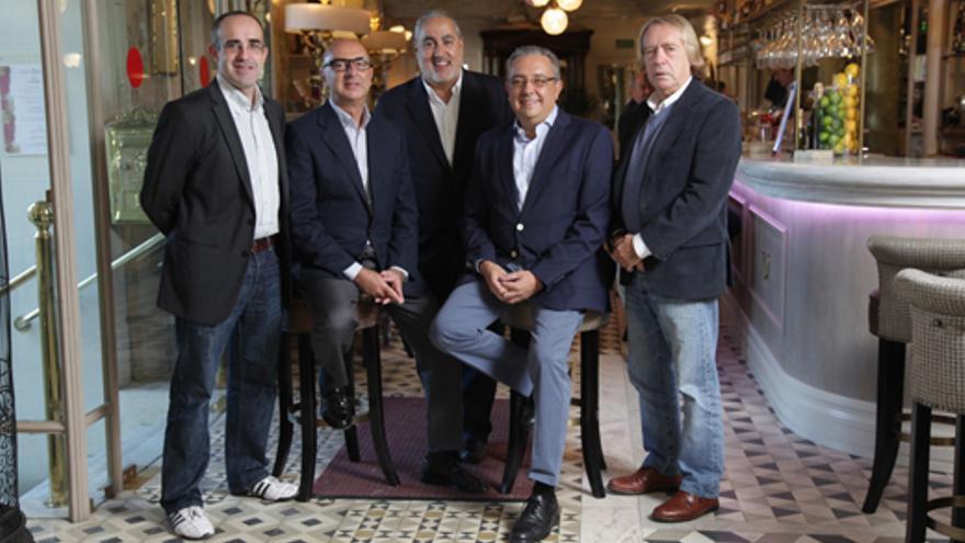 De izquierda a derecha, Valentín Carrera, Francisco Díaz Ujados, Jorge Salvador, Pedro Ricote y Tacho de la Calle // FUENTE:ACADEMIATV
