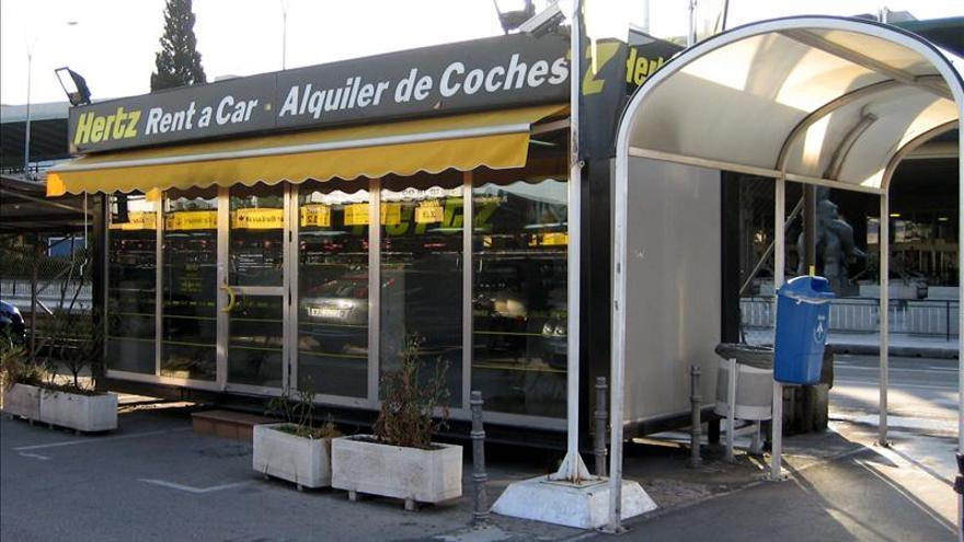 AENA y once empresas de alquiler de coches, multadas con 3,1 millones