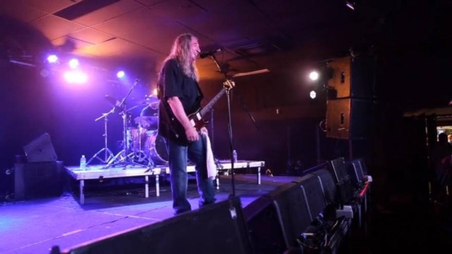 Rosendo en un concierto en Australia