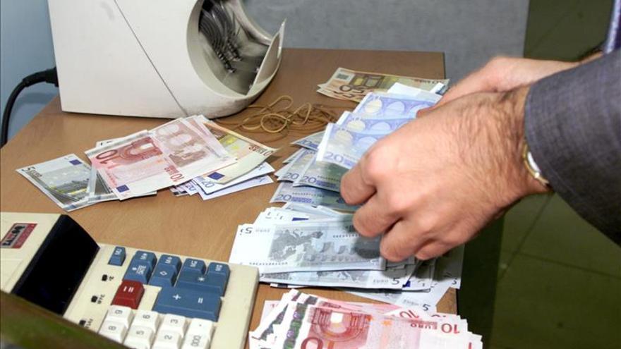 La UE y Suiza intercambiarán datos sobre ahorros bancarios a partir de 2018