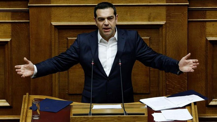 Tsipras consigue la confianza del Parlamento griego con 151 votos
