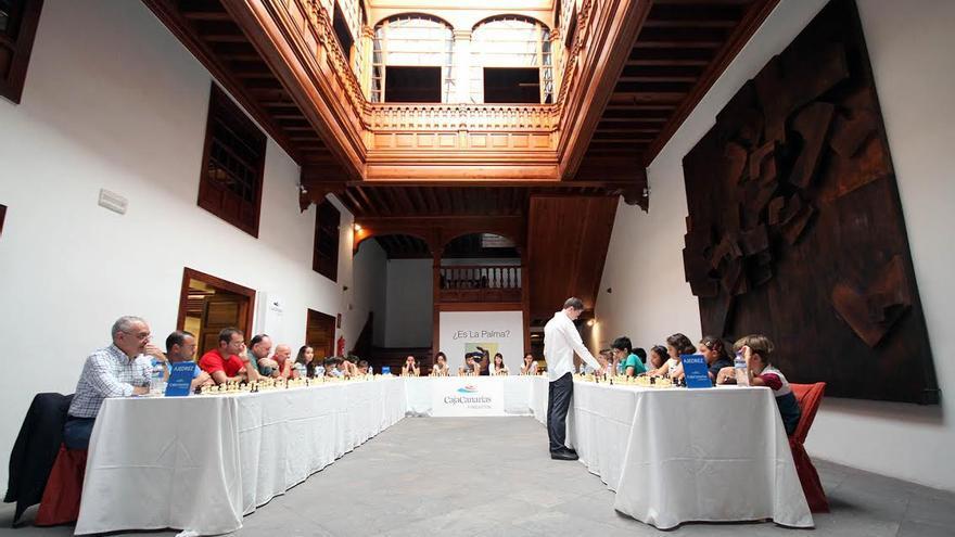 En la imagen, David Antón en la III Simultánea La Palma celebrada en el Espacio Cultural CajaCanarias de la capital de la Isla.