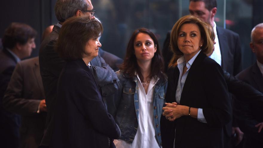Andrea Levy y María Dolores de Cospedal, en la capilla ardiente de Carme Chacón