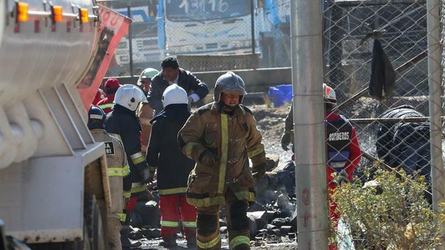 Un gran incendio destruye numeroso material incautado en la aduana de Bolivia