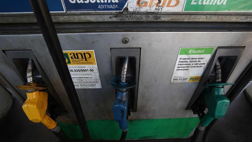 La OPEP dispara el precio del petróleo al reducir su bombeo en 1,2 mbd