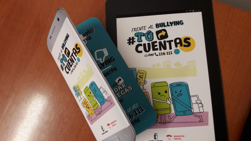Folletos en forma de móvil y tablet de la campaña #TúCuentas