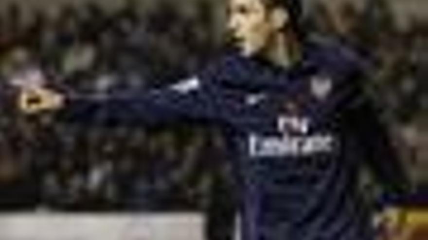 El Arsenal golea y se engancha a Chelsea y United