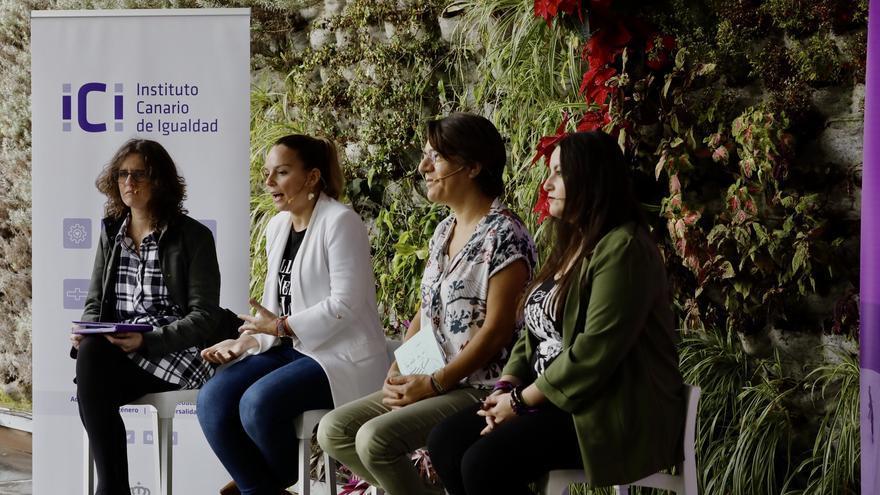 La directora del ICI, Mónica Fumero; la consejera Noemí Santana; la viceconsejera Sylvia Jaén y la directora de Juventud, Laura Fuentes.