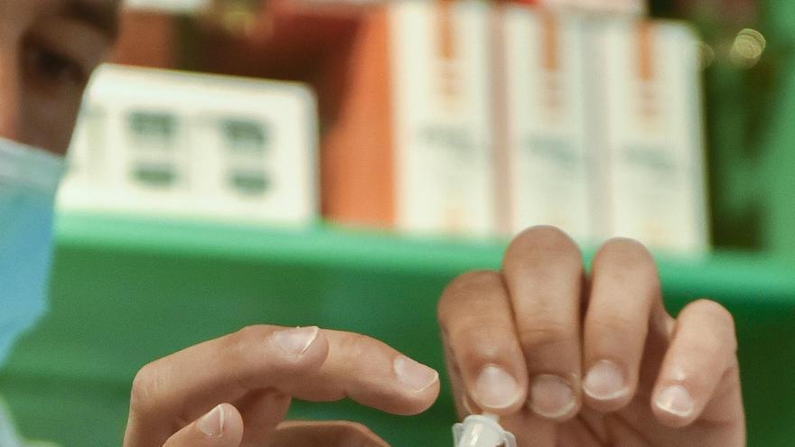 Autotest de farmacia positivo: aislarse y llamar al centro de salud