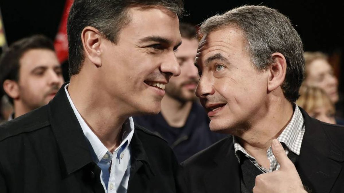 El presidente del Gobierno de España, Pedro Sánchez, junto al expresidente José Luis Rodríguez Zapatero