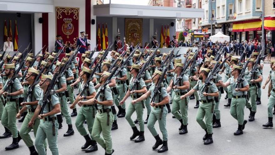 Logroño vive un día histórico en el que miles de personas homenajean a las Fuerzas Armadas
