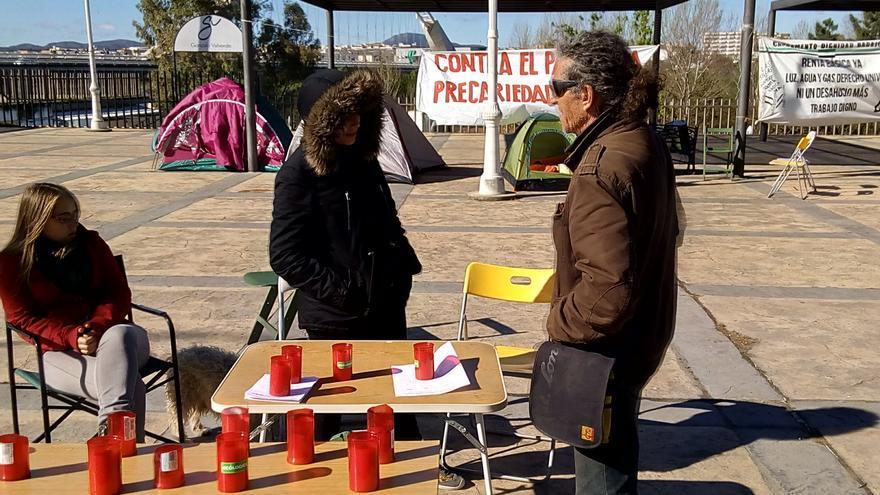 De momento los activistas mantienen la protesta de manera indefinida / JCD