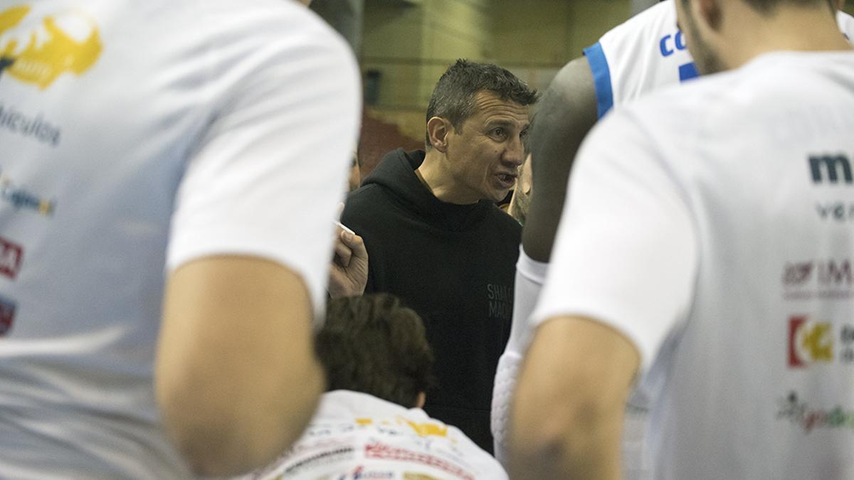 Jesús Lázaro, durante un partido con el Cordobasket