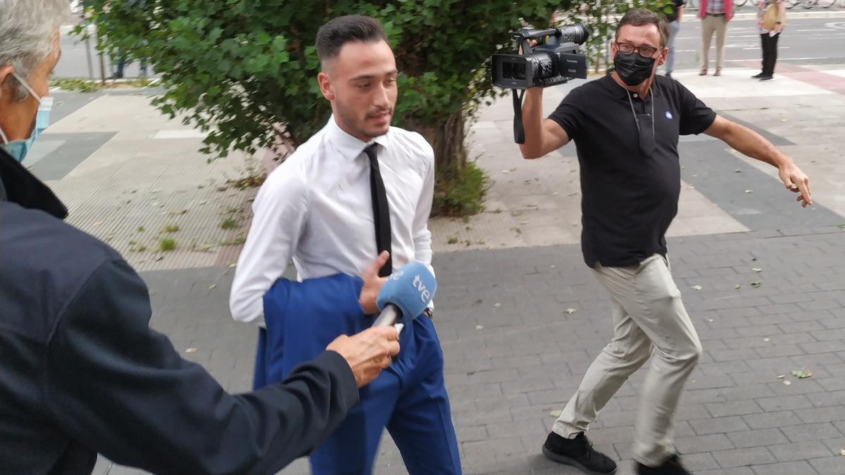 Ander García Oñate, a su llegada a los juzgados de Vitoria