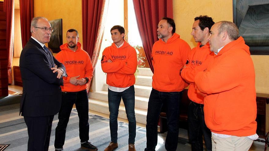 La consejera de Justicia y diputados andaluces acompañarán a los bomberos que serán juzgados en Lesbos