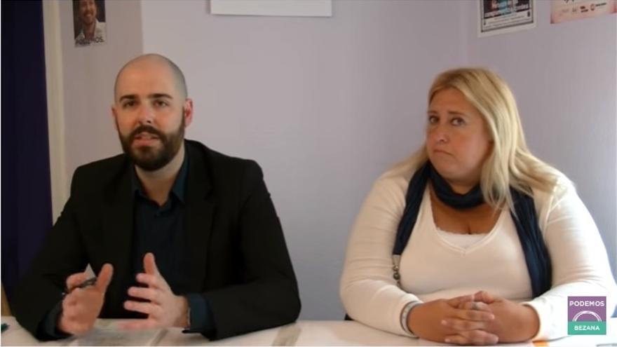 Julio Revuelta y Jimena González, candidatos a liderar Podemos Cantabria.