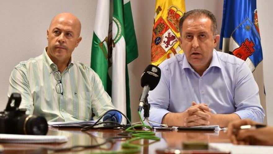 Barrionuevo Osorio (derecha) e Inocencio López en la rueda de prensa en la que cargaron contra Vox