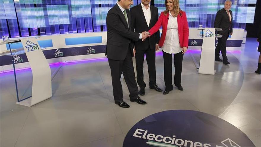 Comienza el primer debate de los candidatos del PSOE, PP e IU