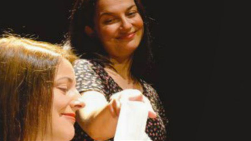 Maria José Guisado y Maribel Bayona protagonizan 'Diarios de adolescencia'