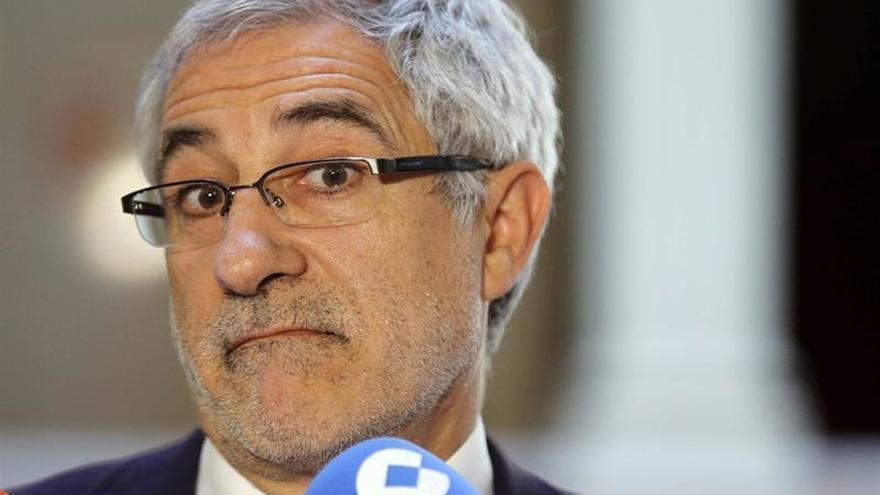 Llamazares avisa de que el apoyo del PSOE a Rajoy afectará al acuerdo en Asturias