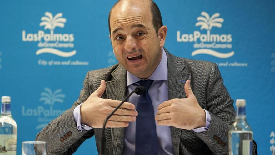 El alcalde de Las Palmas de Gran Canaria, Juan José Cardona. (Efe/Ángel Medina G.).
