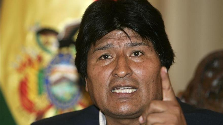 Evo Morales decreta un aumento salarial del 8,5 por ciento que también lo beneficia