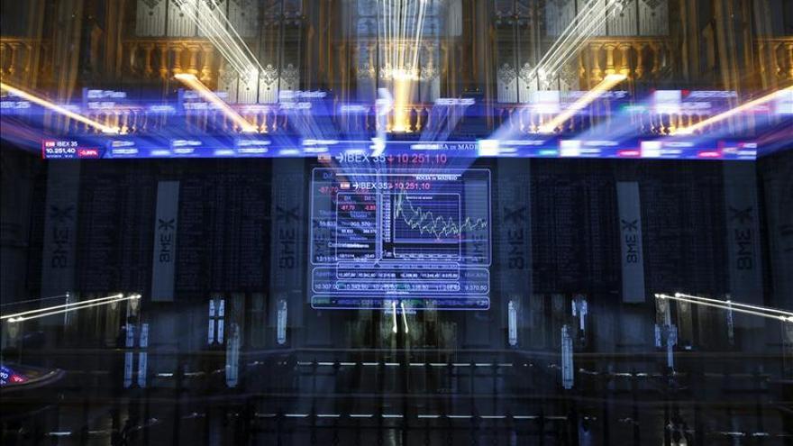 El IBEX mantiene un ligero avance del 0,09 por ciento en línea con otros mercados