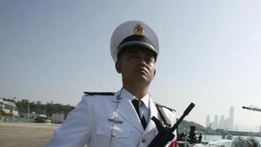 China espera mejorar sus relaciones militares con EEUU