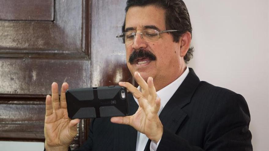 """Zelaya apoya la Constituyente de Maduro y condena la """"descarada injerencia"""" de EE.UU."""