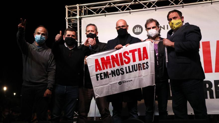 Los presos independentistas en el acto de Òmnium Cultural contra la revocación del tercer grado