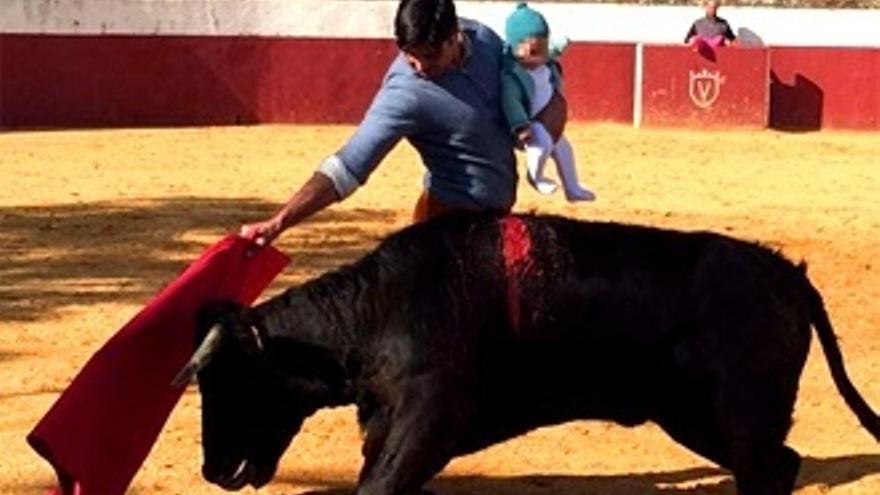 'Sálvame' critica a Fran Rivera por la polémica foto toreando con su hija: '¡Qué barbaridad!'